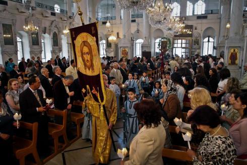 """La fama di Lui (di N. S. Gesù Cristo) in Siria. Dopo secoli, assistiamo allo scandalo dei """"crisitani divisi"""" tra quelli che seguono la Vera Fede e vari tipi di eretici e scismatici."""