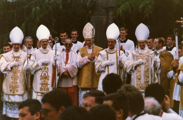 Giubileo: 'Missionari della Misericordia' non assolveranno 'vescovi scomunicati'
