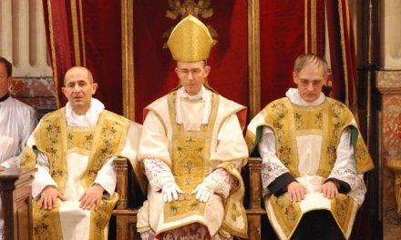 Mons. B. Tissier de Mallerais FSSPX: 'Bergoglio propaga l'eresia'