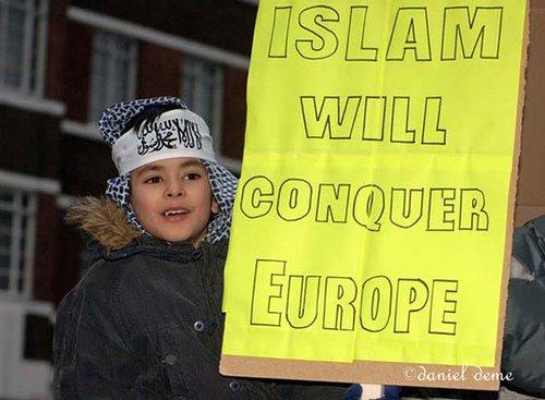 Il patto islamico-laicista contro l'Europa