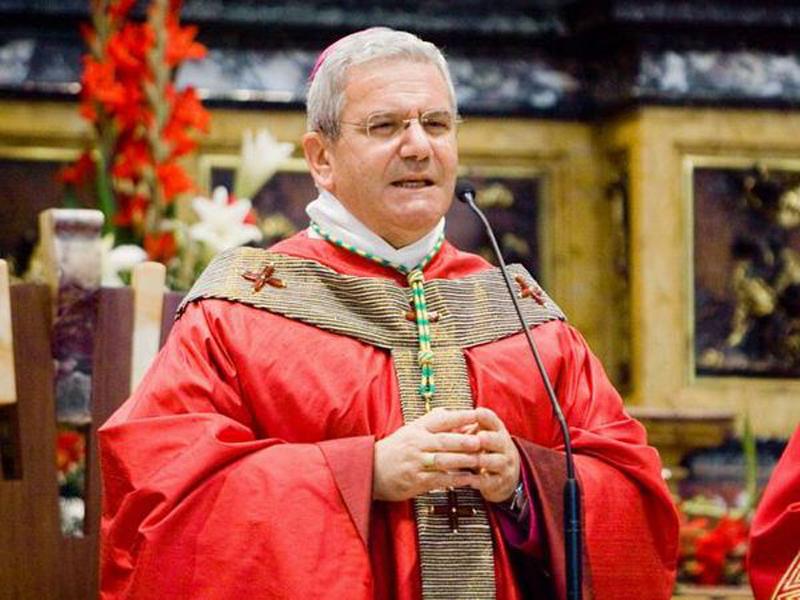 Il vescovo di Bergamo, Beschi