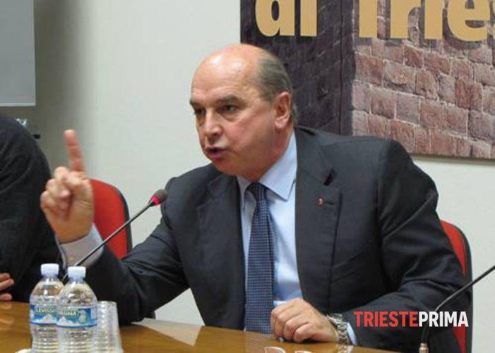 [VIDEO] Il primo atto del neoeletto sindaco di Trieste: rimettere il Crocifisso in municipio