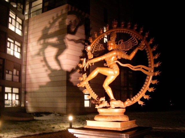 Uno pseudo-sacrificio umano al CERN di Ginevra?