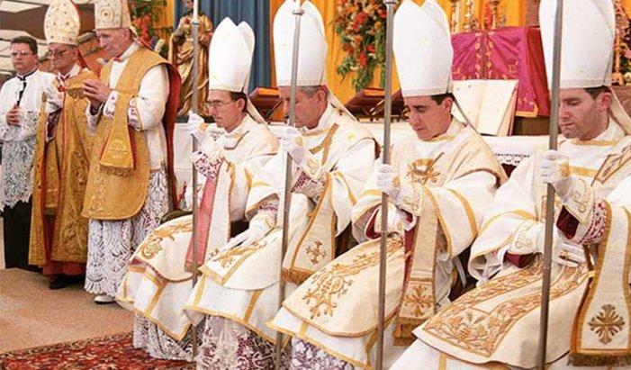 [ALERT] Bergoglio lunedì si pronuncerà sulla Fraternità Sacerdotale San Pio X?