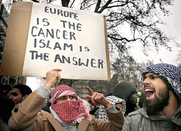 'Soft-jihad': la balla dell'islam moderato come arma di conquista