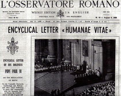 """Il numero dell' """"Osservatore Romano"""" che riporta il testo in inglese dell'enciclica di Paolo VI"""