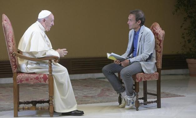 Politici, prendete esempio da Bergoglio