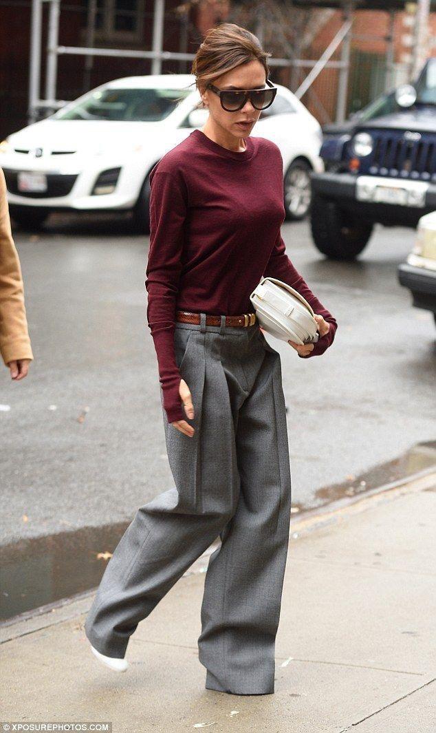 """Lady Beckham ama molto i pantaloni ampi: vedrete molte sue """"mise"""" in questa puntata."""