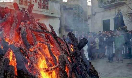 Benedizione del fuoco di sant'Antonio (Orotelli, Nuoro)