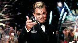 """[CINESPADA] """"Il Grande Gatsby"""": jazz, penne di pavone e uomini di cartapesta"""