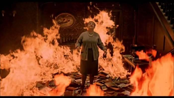 [DA ASCOLTARE] Fahrenheit 451 di Ray Bradbury: un fuoco che brucia i libri e scotta il cuore