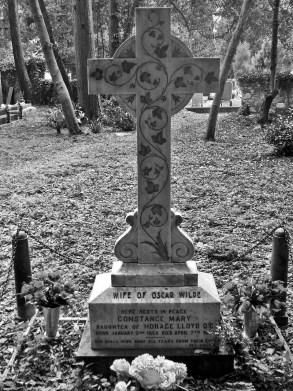 La tomba di Constance Lloyd al cimitero di Staglieno, Genova