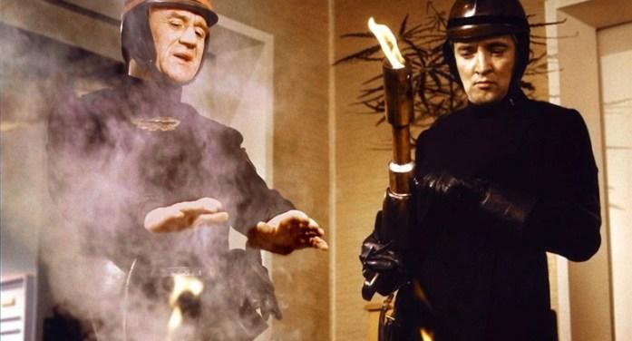"""[CINESPADA] """"Fahrenheit 451"""": un grande classico ancora drammaticamente attuale"""