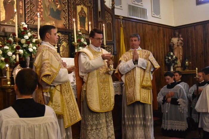 [AI PIEDI DEL TRONO VUOTO] Un nuovo vescovo sedevacantista: Monsignor James Carroll