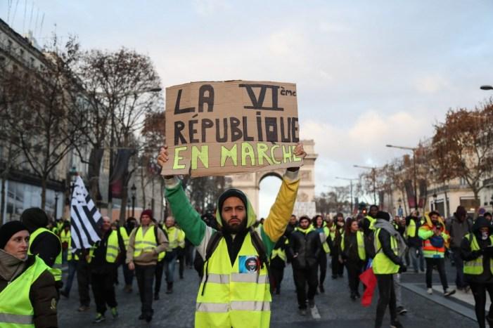 [Radio Épée] Un'analisi cattolica integrale in francese sui gilet gialli