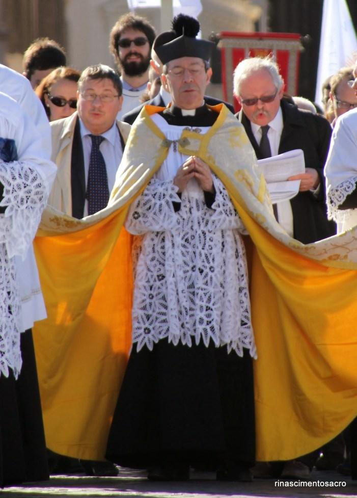 Ecclesia Dei: l'Abbé Barthe commenta la sua soppressione