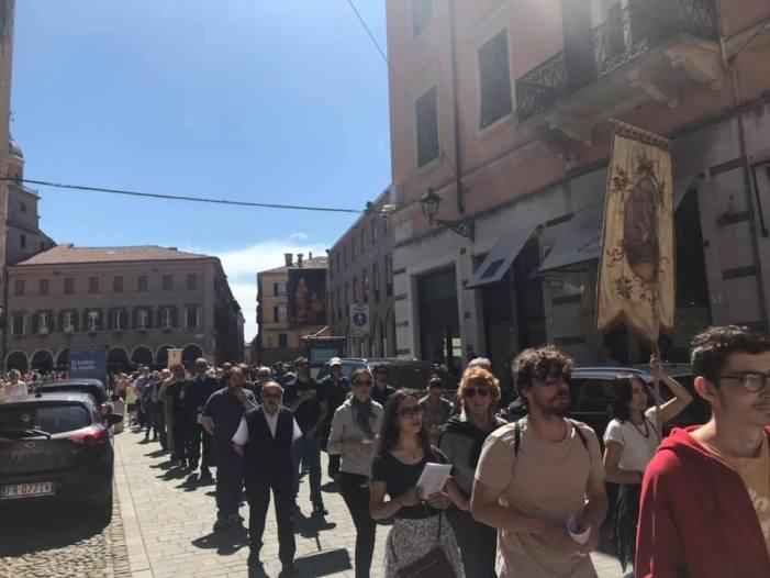 """Il comunicato del comitato """"San Geminiano vescovo"""" a commento della processione"""