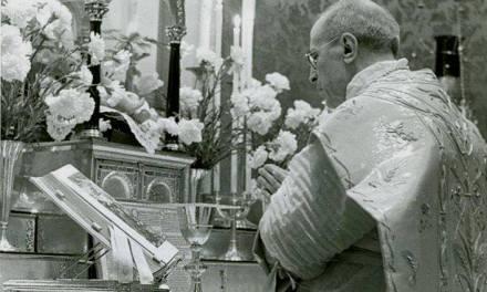 """Pio XII: """"Non si deve separare il tabernacolo dall'altare!"""""""