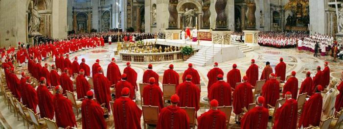 """13 cardinali in arrivo: tra loro un """"retrocesso"""" da Ratzinger e solo un italiano (il progressista Zuppi)"""