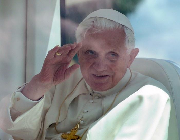Sinodo, scacco matto di Ratzinger. E l'opposizione conservatrice finisce all'angolo
