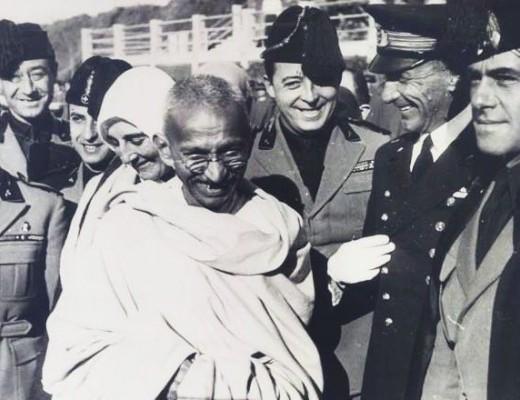 I modernisti si danno al culto di Gandhi. E Gesù?