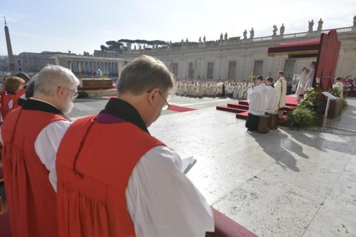 """Gli anglicani alla """"canonizzazione"""" dell'ex anglicano Newman"""