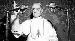 [DIFUNDE TU FE CATOLICA] EN UN NUEVO ANIVERSARIO DEL PASTOR ANGELICUS, inicio de la Sede Vacante.