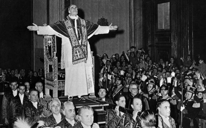 Un' infuocata omelia antimoderna di Pio XII per celebrare bene la S. Quaresima.