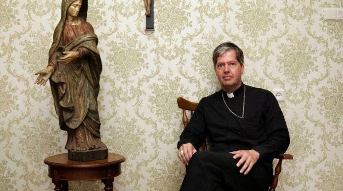 Vescovo olandese contrario a modernismo-progressista rinuncia a incarichi per divergenze ecclesiali