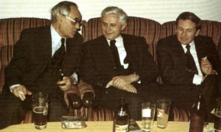 Ratzinger, il biografo ufficiale Seewald: pura leggenda il passaggio da rivoluzionario a reazionario