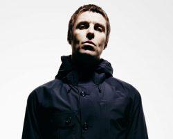 """Liam Gallagher pubblica un nuovo brano 'Chinatown' e annuncia la track list di """"As you were"""" il suo album di debutto solista"""