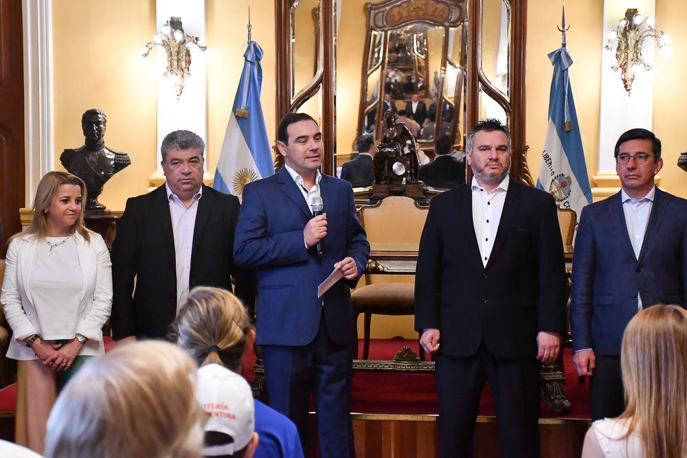 foto: Valdés entregó subsidios por más de $6 millones a instituciones