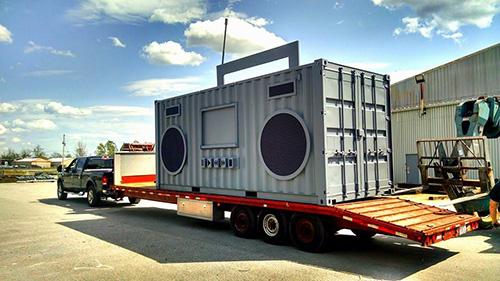 ARTxFM boombox