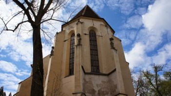 imagini din cetate, biserica