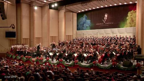 Fest Enescu Orchestra Nat Radio si corurile foto Virgil Oprina a