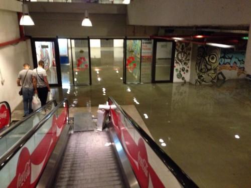 mall-inundat2-500x375