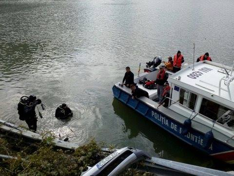 masina cazuta in Dunare (2)