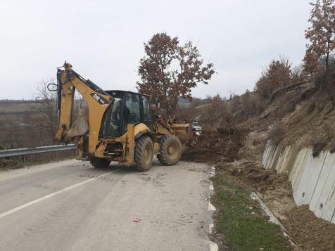 alunecare de teren (8)