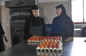 manastirea Sag vopsirea oualor 4