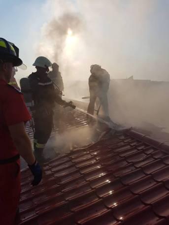 incendiu centru medical ar (4)