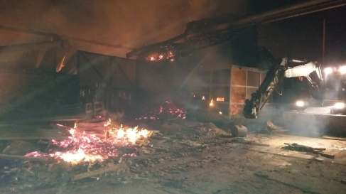 incendiu hala lemn (3)