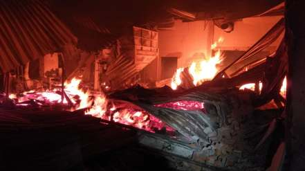 incendiu hala lemn (5)