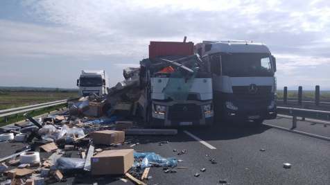 accident camioane autostrada 2