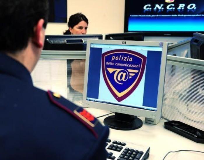 Torino, un uomo nei guai per diffusione di quotidiani sui gruppi di Telegram