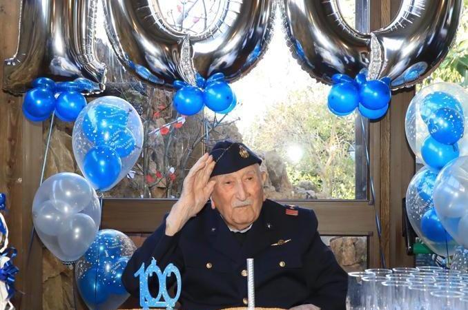 Carlentini in festa per i 100 anni di Cirino La Ferla!