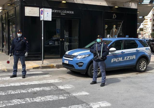 Siracusa, vuole occupare un posto non suo  sul treno. denunciato dalla Polizia