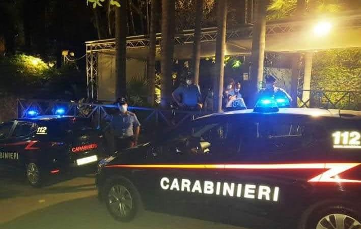 Aci Castello, Fase 3: nessun distanziamento, i carabinieri  chiudono la discoteca Banacher