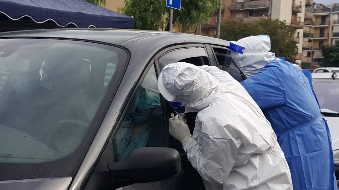 Coronavirus, aumento preoccupante dei casi positivi a Carlentini. Sabato dalle 9 alle 16 piazza Sant'Anna  screening alla popolazione scolastica
