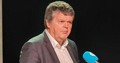 Dit bedrag geeft de Vlaamse regering aan het vaccinatiecentrum in je buurt