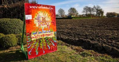 Burgercollectief WildvanHoof zet 12 schilderijen neer in de gemeente voor behoud van de open ruimte